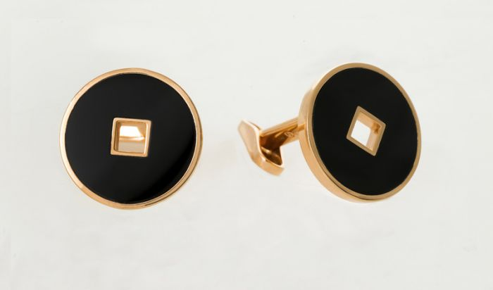 Salvini yellow gold cufflinks with black onyx