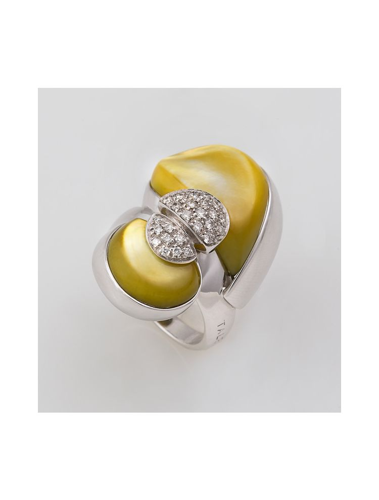 Talento Italiano white gold ring with mother of pearl and white diamonds