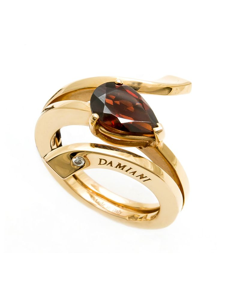 Damiani pink gold ring with garnet and diamond