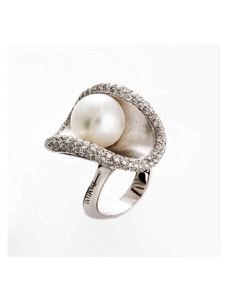 Damiani white gold ring with white pearl