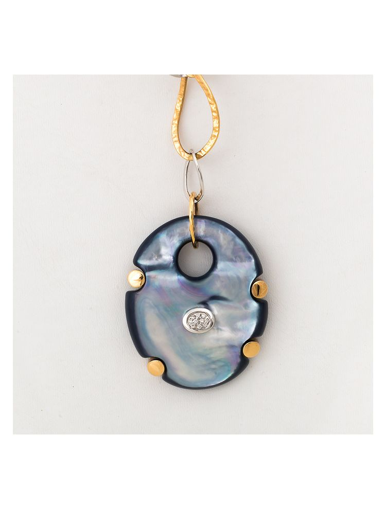 Talento Italiano white and pink gold chain and pendant with blue mother of pearl and diamonds