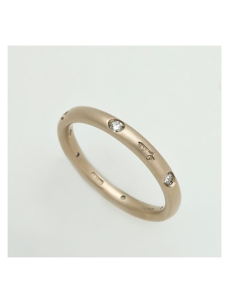 Pomellato yellow gold wedding band with diamonds