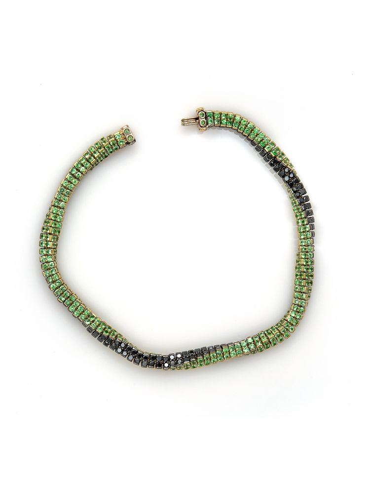 Reho white gold bracelet with black diamonds and tsavorite