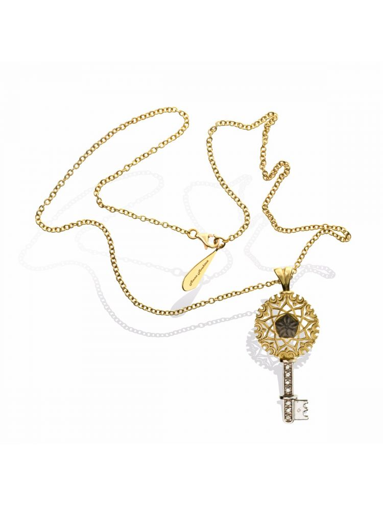 Anna Avakian yellow gold key pendant with star stone