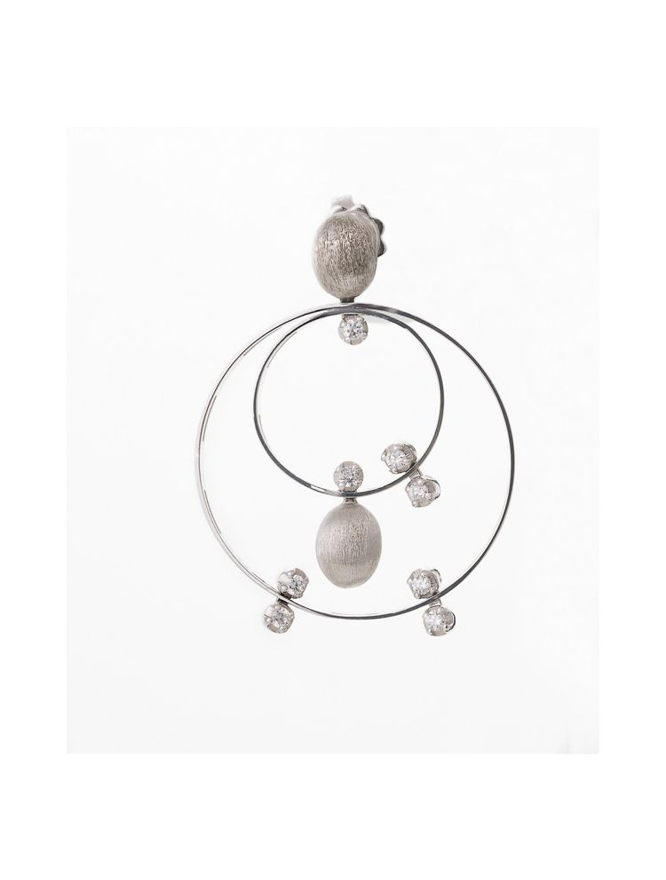 Nanis white gold earrings with diamonds